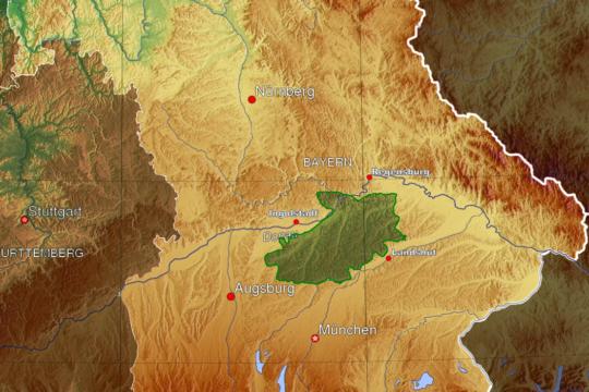 Die Hallertau in Bayern ist das größte zusammenhängende Hopfenanbaugebiet der Welt